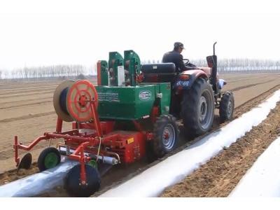 希森天成2CM-12-马铃薯种植机作业视频