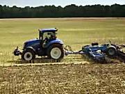 纽荷兰T6系列拖拉机作业实拍