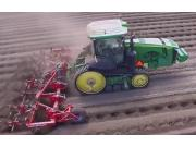 SPUDNIK公司播种和收获土豆视频