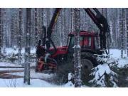 維美德拖拉機配Nisula325H伐木機作業