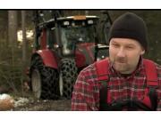 维美德拖拉机配伐木机作业