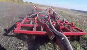 豪狮公司Tiger 4 MT整地施肥机