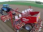 纽荷兰T8050拖拉机配格立莫GL860马铃薯播种机