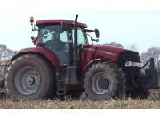 凯斯Puma200拖拉机配四铧翻转犁作业视频