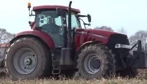 凱斯Puma200拖拉機配四鏵翻轉犁作業視頻