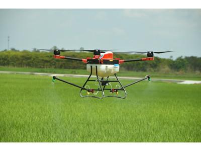 多旋翼無人機水稻噴藥作業視頻