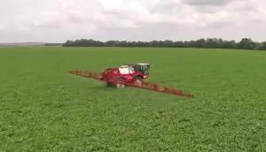 Agrifac公司自走式大型喷药机作业视频