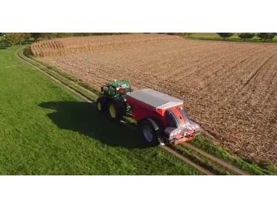 库恩公司AXENT100.1撒肥机作业视频