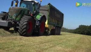 克罗尼牧草捡拾拖车作业[raybet下载iphone]视频