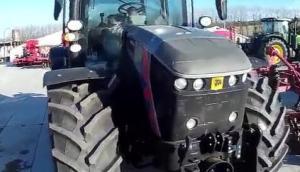 杰西博4220拖拉機25周年限量版產品展示