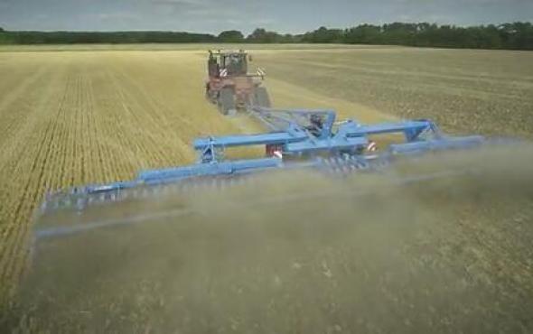 德國LEMKEN Heliodor9系列16米聯合整地機作業視頻