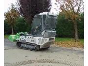 ANDREOLI公司UT110自走式葡萄收獲機作業視頻