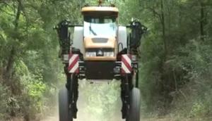 挑战者Spra-Coupe 4660自走式喷药机视频