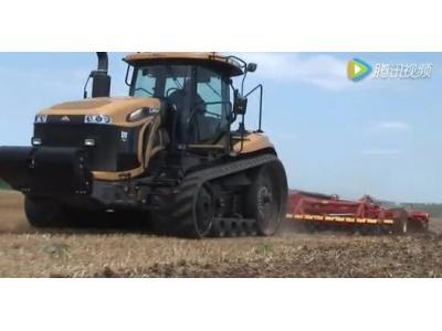 挑战者MT800C系列全履带拖拉机视频