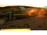 约翰迪尔2016款W系列联合收割机视频