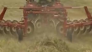 賽特利斯MK12指盤式摟草機作業視頻