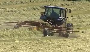 賽特利斯TW7800摟草機作業視頻