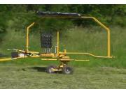 威猛RR140旋轉摟草機作業視頻