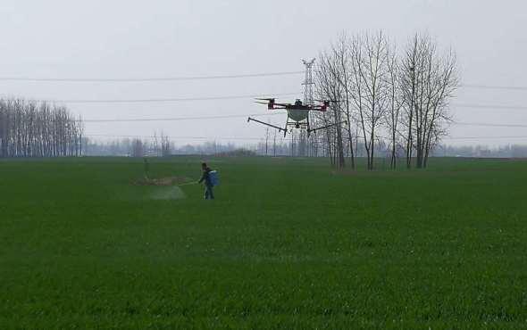 天鷹兄弟植保無人機小麥飛防作業視頻