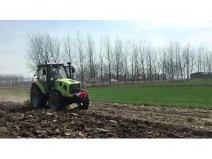 中聯耕王RH1304輪式拖拉機作業視頻
