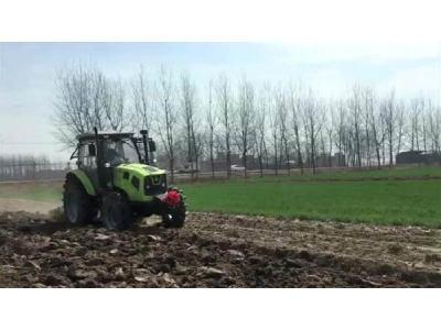 中联耕王RH1304轮式拖拉机作业视频
