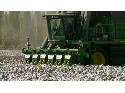 約翰迪爾7660棉箱式摘棉機產品視頻