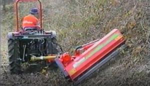 意大利RINIERI TRS沟坡枝条粉碎机