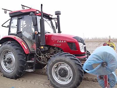 東風農機DF954拖拉機作業視頻