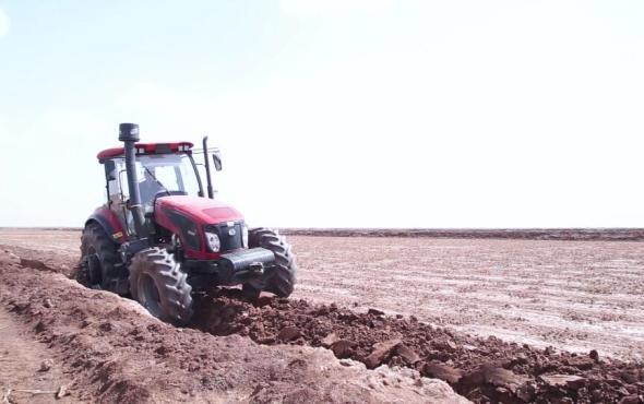 东风ballbet网页版DF2204拖拉机作业视频
