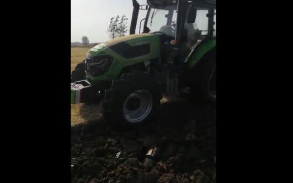 农神1LFT-440翻转犁配套耕王1404玉米茬耕地作业