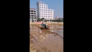 浙江四方手扶拖拉机中的战斗机-作业视频