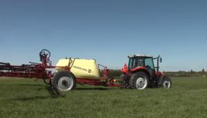 哈滴牵引式Ranger2500作业视频