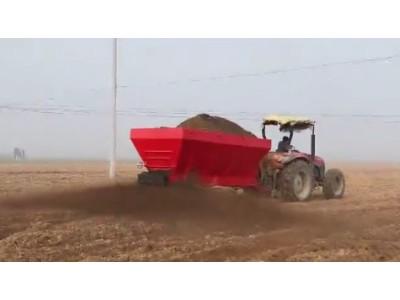 天盛2FGB-8YA撒肥机作业视频