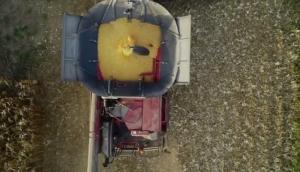 卓收农机DragoGT玉米割台国外收获视频赏析
