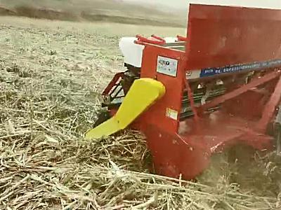 鑫乐免耕播种机厚层玉米秸秆地块作业演示视频