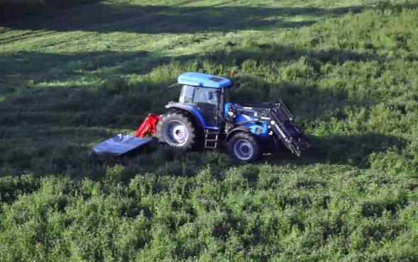 優尼亞牧草機械作業視頻