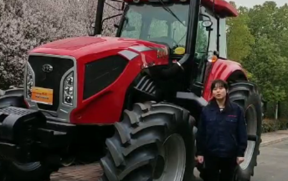 东方红LX2404-D轮式雷火产品介绍