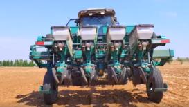 重型免耕播種機作業視頻