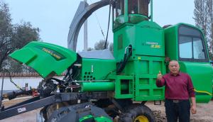 孫濤:天朗打捆機不僅可以收秸稈,還可收獲青貯玉米