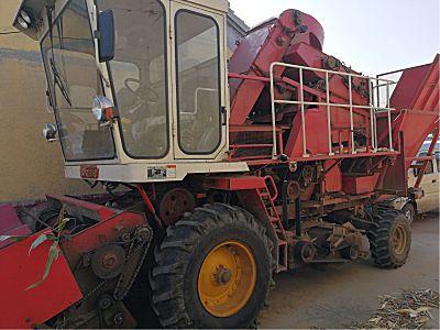 雷沃谷神4YZ-3C玉米收割机