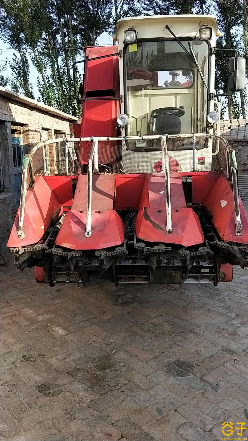 田霸4YZB-3自走式玉米收获机
