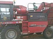 新疆牧神4YZB-8型自走式玉米联合收获机