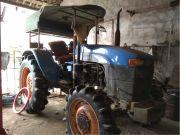 纽荷兰T7040拖拉机