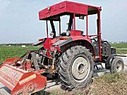 东方红MG900轮式拖拉机