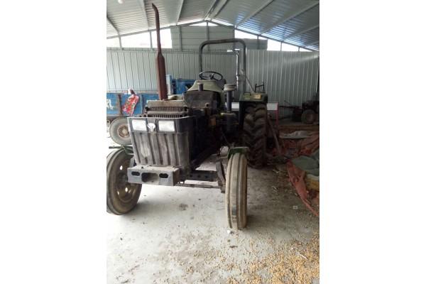 约翰迪尔950拖拉机