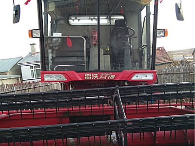 雷沃谷神4LZ-5E小麦联合收割机