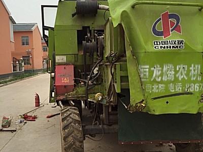 新疆4LZ-3.0谷物联合收割机