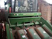 中联谷王CH40(4YZ-4H)玉米收割机