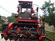牧神4YZB-4型自走式玉米联合收获机