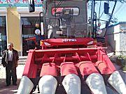 雷沃谷神4YZ-4J玉米收割机